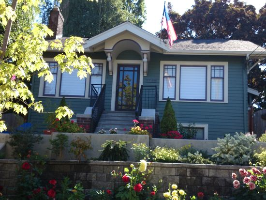 2708 Mayfair Ave N, Seattle, WA 98109