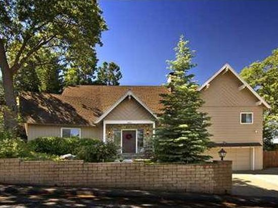 28853 Banff Dr, Lake Arrowhead, CA 92352