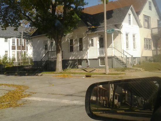 1534 W Wright St, Milwaukee, WI 53206