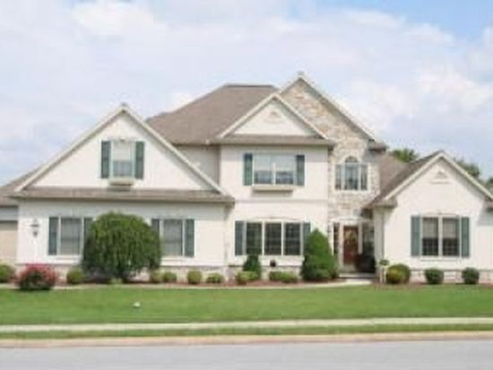 425 Spring Hollow Dr, New Holland, PA 17557