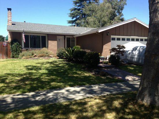 965 W 6th St, Gilroy, CA 95020