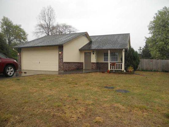 2593 W Mount Comfort Rd, Fayetteville, AR 72704