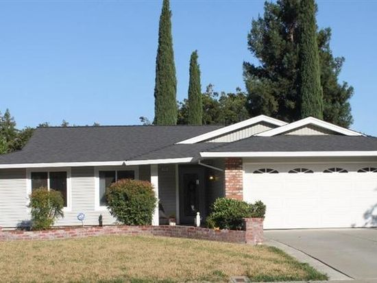 742 Arbor Oaks Dr, Vacaville, CA 95687