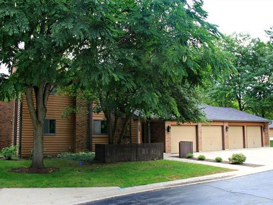 660 Waverly Dr APT A, Elgin, IL 60120