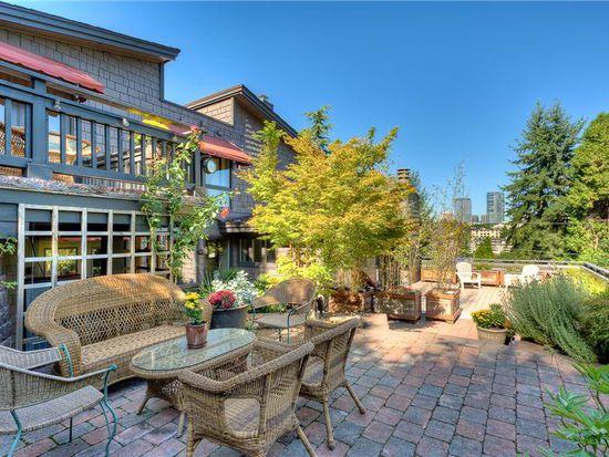 9417 SE Shoreland Dr, Bellevue, WA 98004