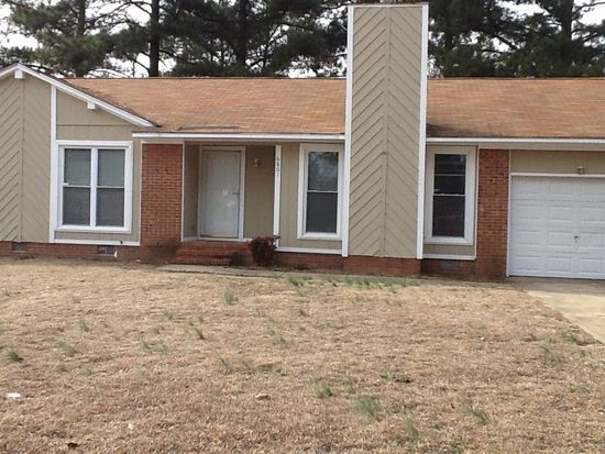 6801 Seaford Dr, Fayetteville, NC 28314