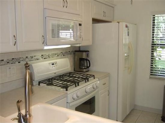 1390 Mission Hills Blvd, Clearwater, FL 33759