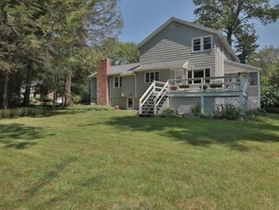5 Hickory Ln, North Reading, MA 01864