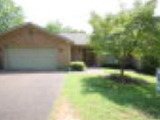 406 Country Club Ln APT 4, Hopkinsville, KY 42240