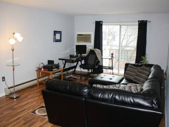 3 Northbrook Dr UNIT 311, Manchester, NH 03102