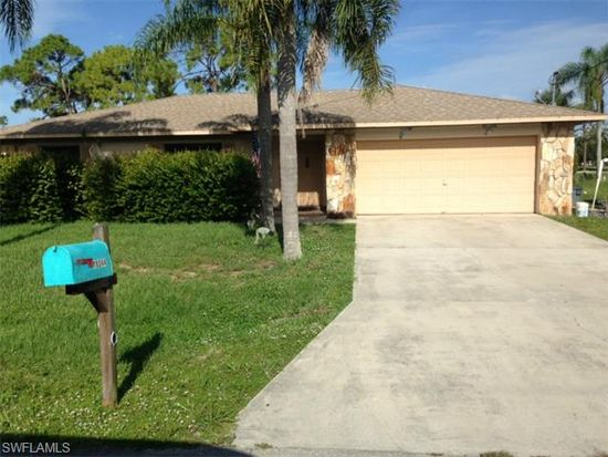 18044 Laurel Valley Rd, Fort Myers, FL 33967