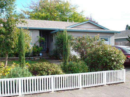 1448 Pheasant Dr, Petaluma, CA 94954