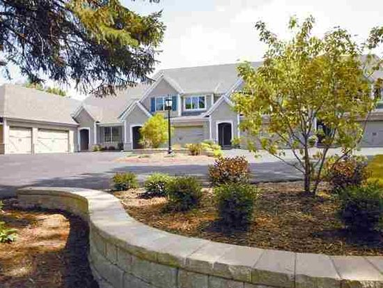 26095 Valley Dr, Bettendorf, IA 52722