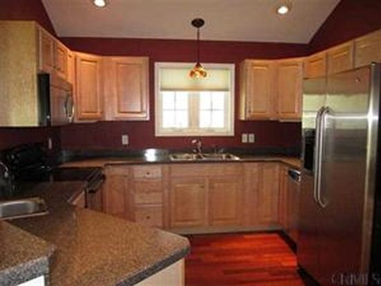 30 Western Reserve Trl, Queensbury, NY 12804