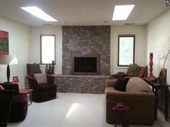 734 Hampton Ridge Dr, Akron, OH 44313