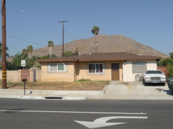 38 Michigan Ave, Riverside, CA 92507