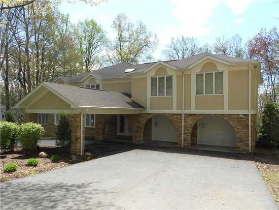 107 Foxwood Ln, Greensburg, PA 15601