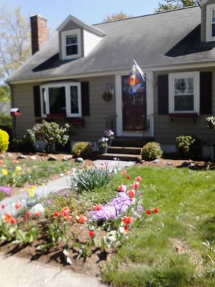 39 Aborn Ave, Wakefield, MA 01880