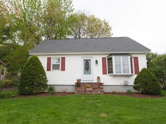 205 Bourne St, Manchester, NH 03103