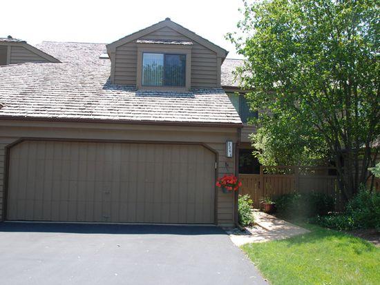 2364 Oak Hill Rd, Lake Barrington, IL 60010