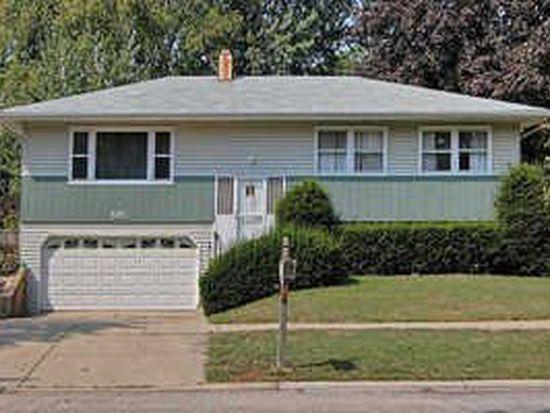 592 Weidner Rd, Buffalo Grove, IL 60089