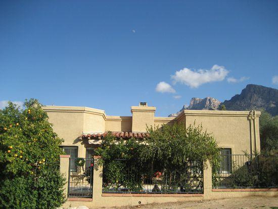 775 E Camino Corrida, Oro Valley, AZ 85704