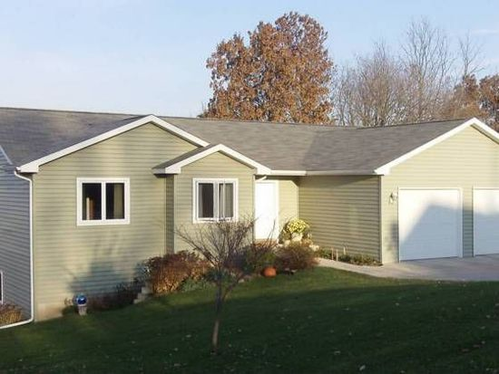 4900 High Chaparral Rd, Marshall, WI 53559