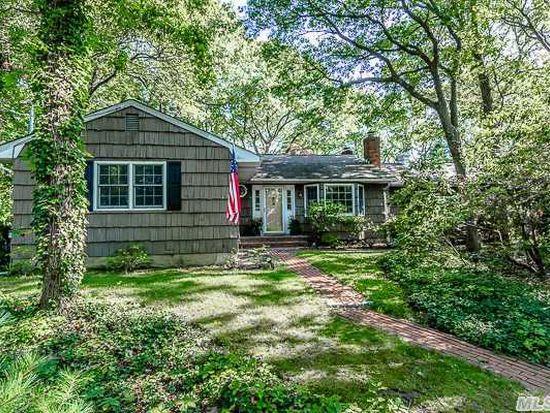 16 Old Wood Rd, Stony Brook, NY 11790