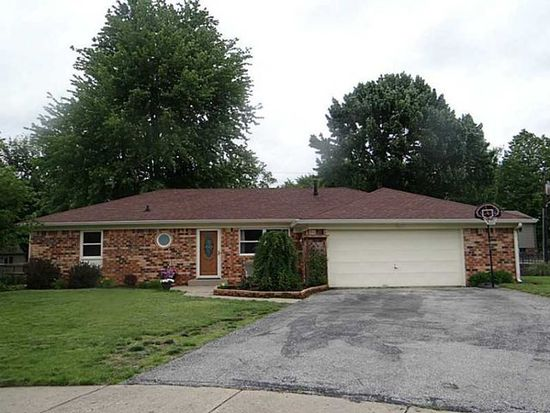 7404 Earl Ct, Southport, IN 46227