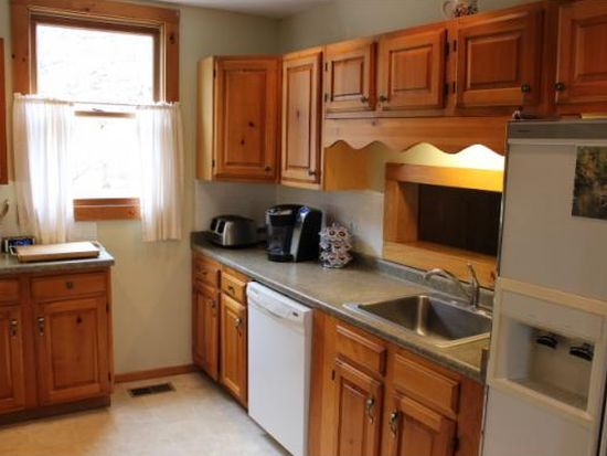 19 Mountain Rd, Hinsdale, NH 03451