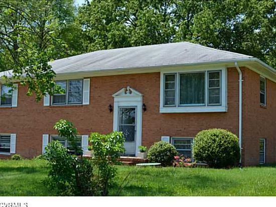 9606 Proctors Rd, North Chesterfield, VA 23237
