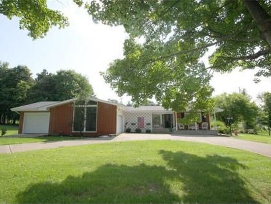 1300 Westwood Dr, Mount Vernon, OH 43050