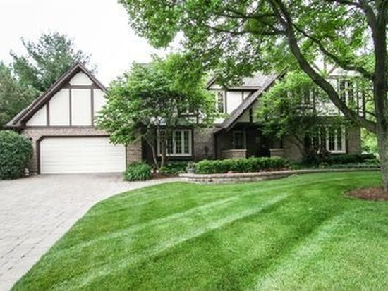 903 Maryknoll Cir, Glen Ellyn, IL 60137