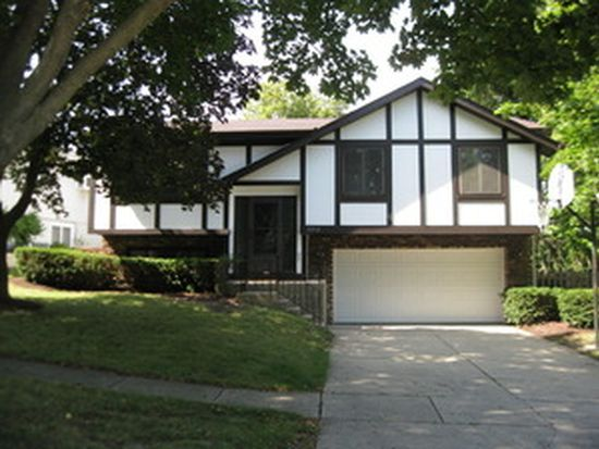 2210 Midhurst Rd, Downers Grove, IL 60516
