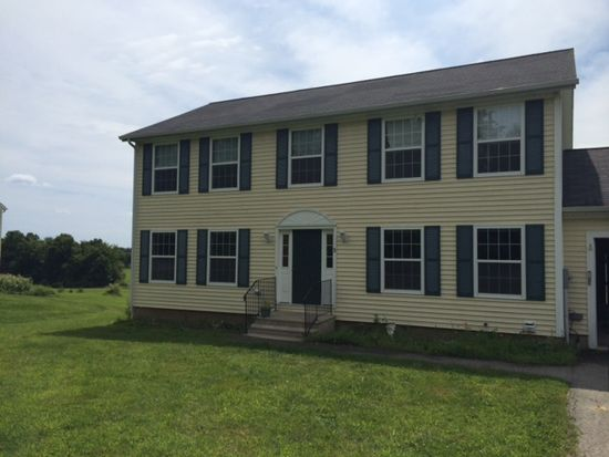3 Seaborne Dr, Dover, NH 03820