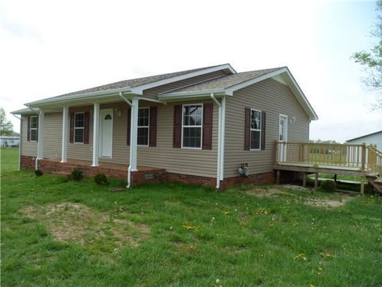 1391 Norton Rd, Lawrenceburg, TN 38464