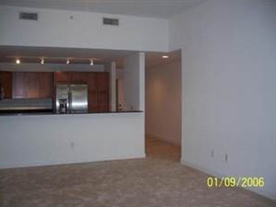 8390 SW 72nd Ave APT 105, Miami, FL 33143
