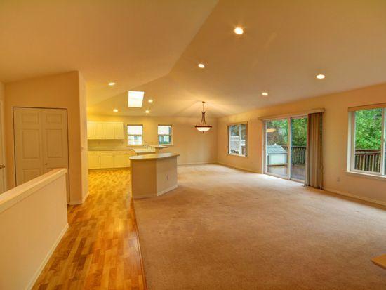 1402 Edwards St, Bellingham, WA 98229