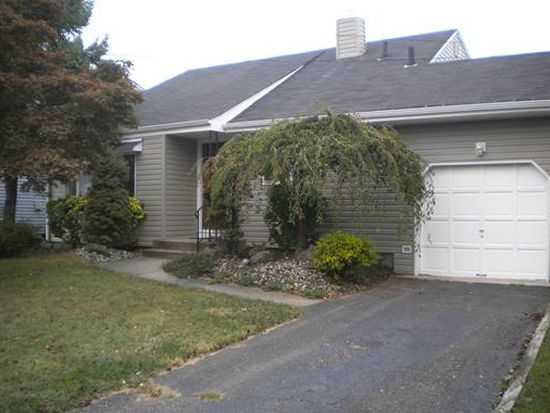 34 Broadway Ave, Colonia, NJ 07067