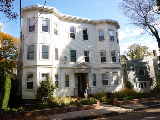 11 Tufts St APT 6, Cambridge, MA 02139