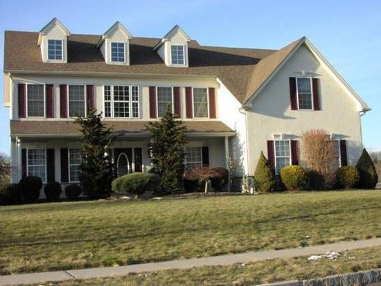 3878 Charter Club Dr, Doylestown, PA 18902