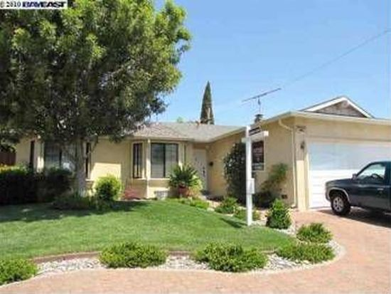 4983 Yellowstone Park Dr, Fremont, CA 94538