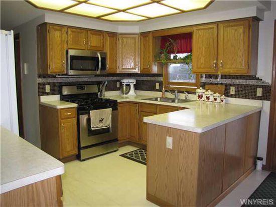 2552 Whitehaven Rd, Grand Island, NY 14072