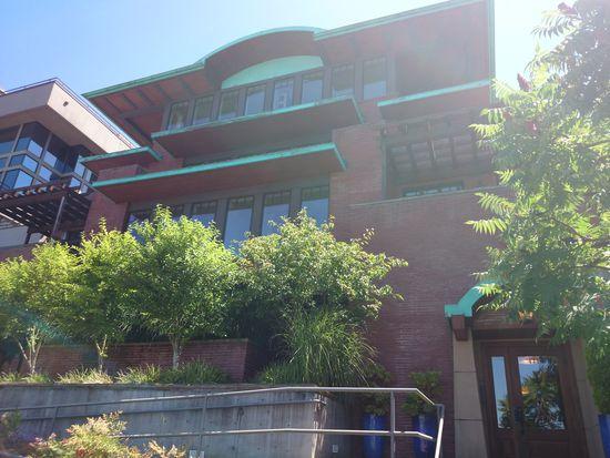 1114 Lakeview Blvd E, Seattle, WA 98102