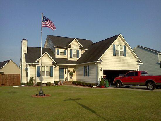 5541 Hall Glen Dr, Hope Mills, NC 28348