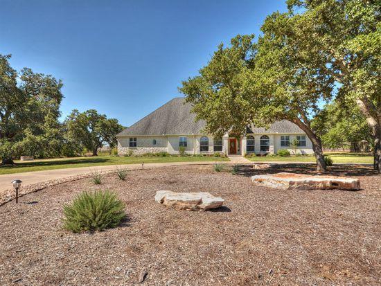 121 Woodland Dr, Driftwood, TX 78619