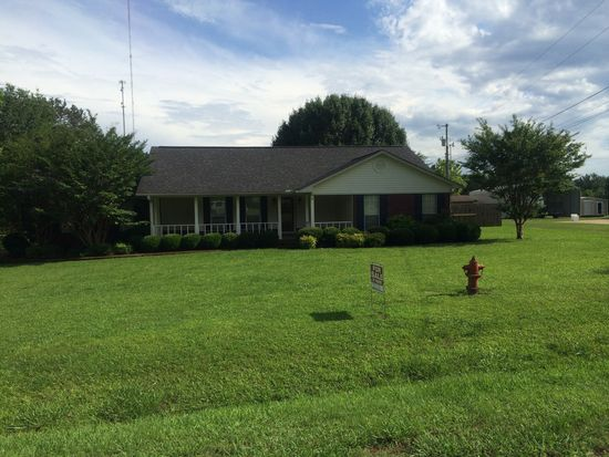 109 Clint St, Houston, MS 38851
