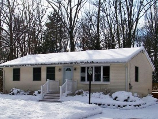 25 Spruce Dr, Dover, NH 03820