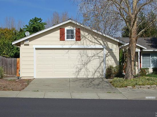 844 Youngsdale Dr, Vacaville, CA 95687