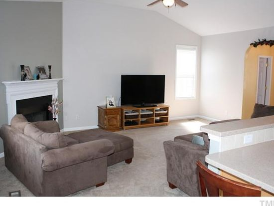 206 Governors House Dr, Morrisville, NC 27560